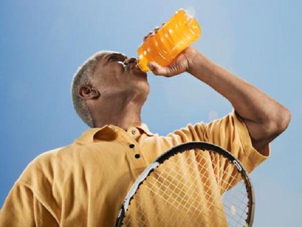 نوشیدنی های ورزشی: افزایش قند خون