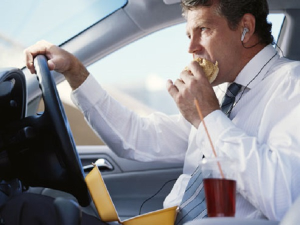با عجله غذاخوردن